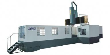 Вертикально-горизонтальный обрабатывающий центр сЧПУ снеподвижной балкой портального типа XH2415A
